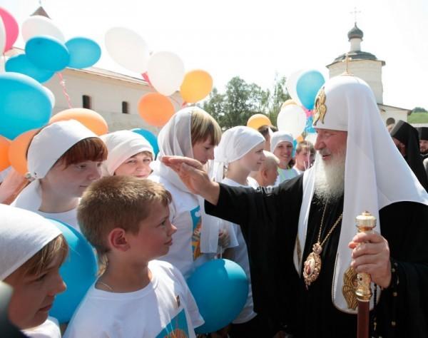 Патриарший визит в Тверскую епархию. Посещение Центра духовного развития детей и молодежи г. Старица