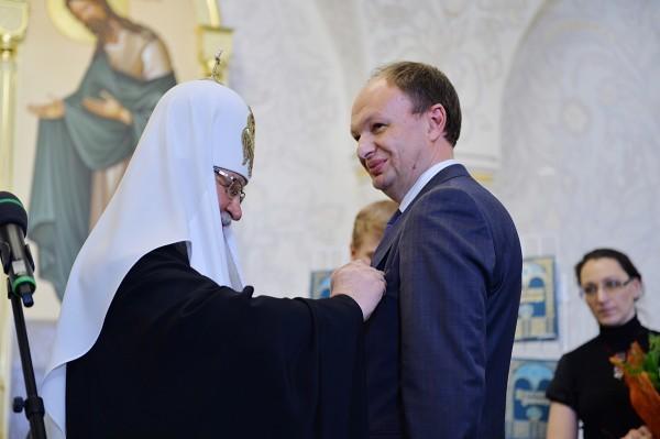 Патриарх наградил руководителя Федерального агентства по печати Михаила Сеславинского орденом преподобного Сергия II степени