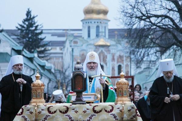 Патриарший визит на Украину. Молебен в Киево-Печерской лавре перед чудотворной Серафимо-Дивеевской иконой Божией Матери