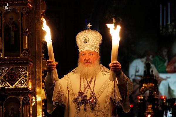 Изнесение Благодатного огня в праздник Воскресения Христова