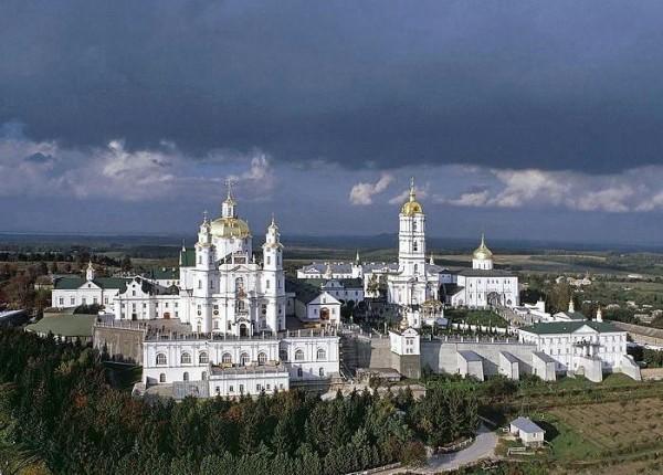 В Почаевской Лавре опровергли информацию о блокировании обители