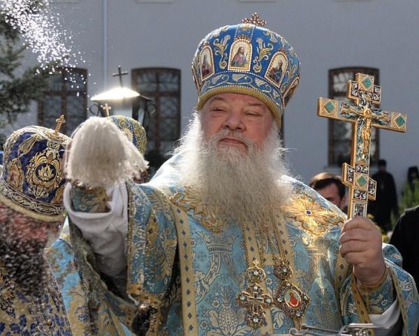Митрополит Волынский Нифонт призвал земляков к усиленной молитве за мир