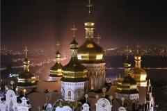 Ночь в Киево-Печерской Лавре прошла без сна, но и без провокаций – спикер УПЦ