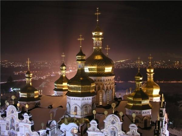 В Киеве проходит заседание Синода Украинской православной церкви