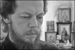 Протоиерей Георгий Коваленко:  Нет Божьего благословения на том, кто стреляет в людей и отдает приказы стрелять в людей