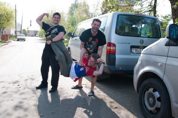 Три брата — сила! — лидер группы «Комба БАКХ» о детстве в семье священника
