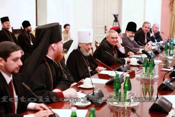 Всеукраинский Совет Церквей: Умоляем прекратить силовые действия