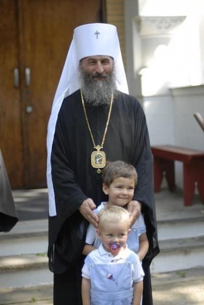 Местоблюстителем Киевской митрополичьей кафедры избран митрополит Черновицкий Онуфрий
