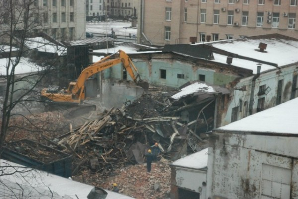 В Петербурге сносят Аракчеевские казармы