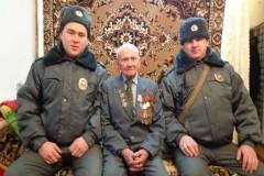 Башкирские полицейские спасли ветерана, замерзшего на улице