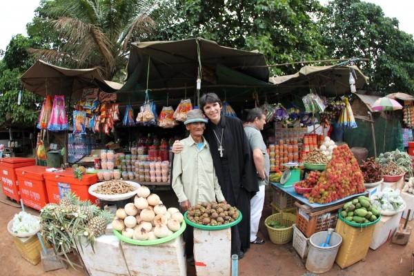 Отец Олег Черепанин, глава миссии в Таиланде.