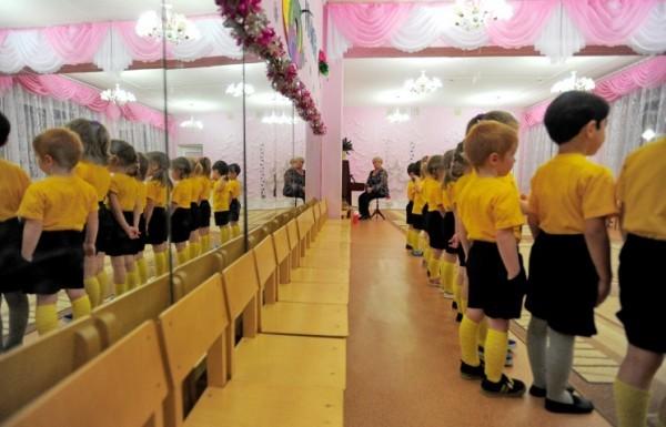 В детских садах Москвы ликвидируют ясельные группы