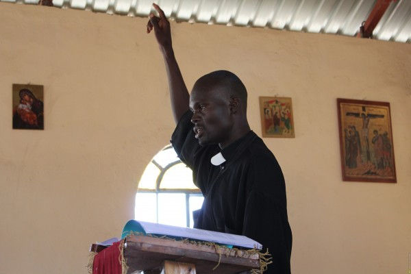 На выставке «Апостолы XXI века» представлено уникальное собрание современных православных книг на языках нехристианских народов. Также здесь можно услышать пение православных африканцев.