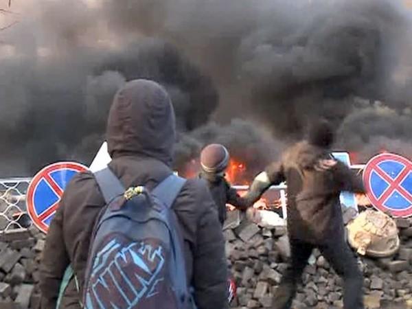 В Киеве горит консерватория и Дом профсоюзов