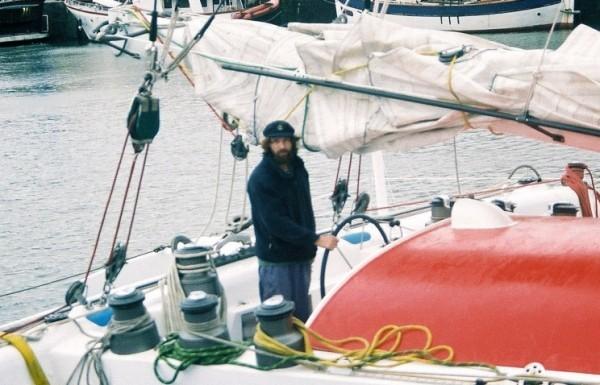 Федор Конюхов, пересекающий океан на весельной лодке, начал испытывать проблемы со здоровьем