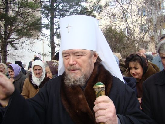 Митрополит Симферопольский Лазарь призывает сохранять мир в Крыму