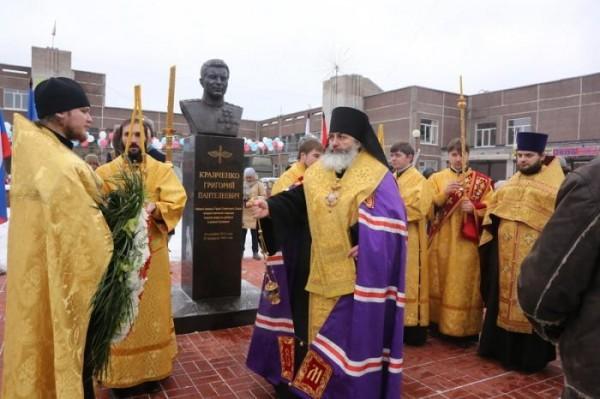 В Ленинградской области освящен памятник герою Отечества летчику Григорию Кравченко