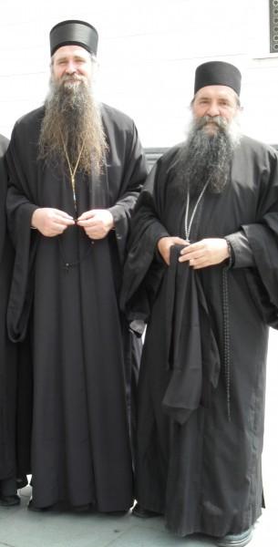 Архимандрит Лука (Анич), слева