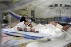 В Свердловской области разыскивают женщину, оставившую новорожденную дочь на пороге больницы