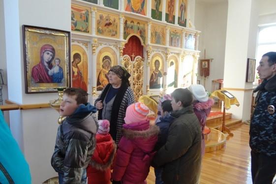 Бурятские полицейские проводят уроки православия и буддизма для детей