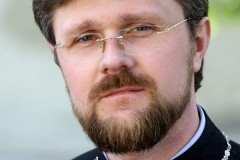 Протоиерей Николай Данилевич: Киевляне объединяются для защиты от погромщиков и мародеров