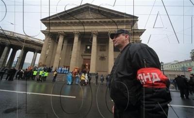 Молодежные патрули в Петербурге будут состоять только из местных жителей