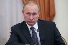 Владимир Путин призвал повышать доходы семей с детьми