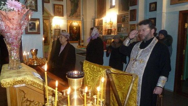 Сотни жителей Южно-Сахалинска простились с трагически погибшими в соборе