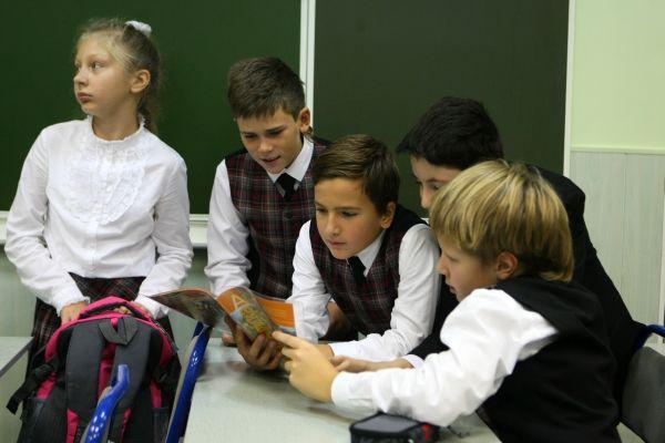 Петербургские депутаты предложили отменить занятия по субботам в начальной школе