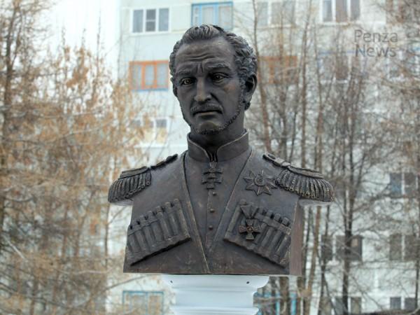 В Пензе установили памятник герою кавказской войны казачьему генералу Николаю Слепцову