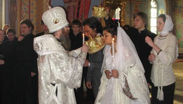 Православная пара из Пакистана приехала венчаться в Томск в 35-градусный мороз