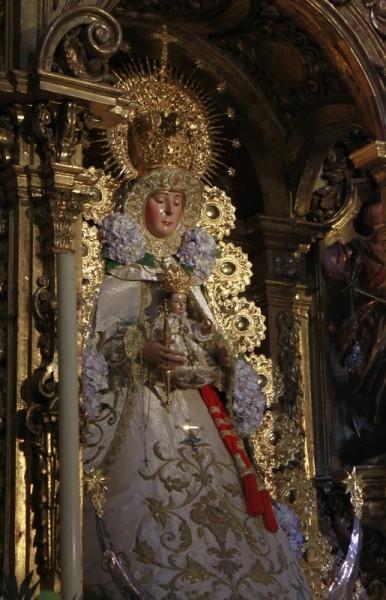 Почитаемое изображение Богородицы в храме св. Себастиана в Севилье