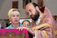 Пенсионеры смогут вызывать на дом священника нажатием кнопки SOS