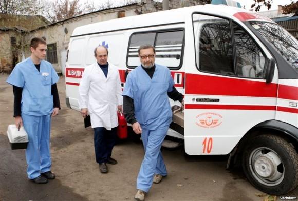 Священники и православные психологи дежурили в больнице Скорой помощи в Киеве