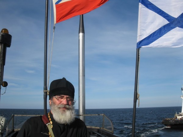 Священник на подводной лодке