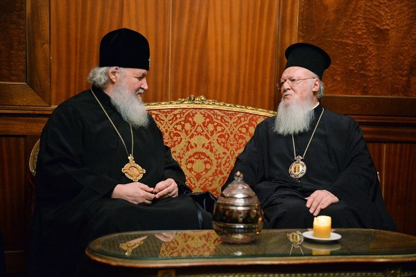 Предстоятели Константинопольской и Русской Церквей встретились в Стамбуле