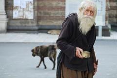 Болгарин, которому в июле будет 100 лет, собирает милостыню и жертвует крупные суммы на храмы