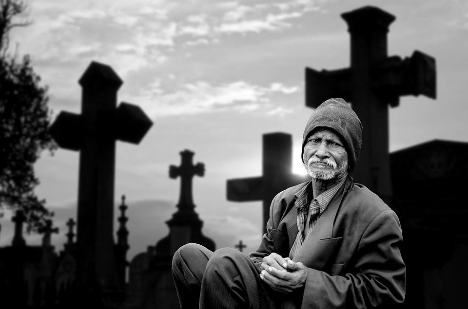 9 дней после смерти - идти ли на кладбище?