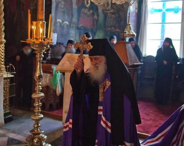 En la fiesta de la Exaltación de la Ortodoxia Athos orado por la paz en Ucrania