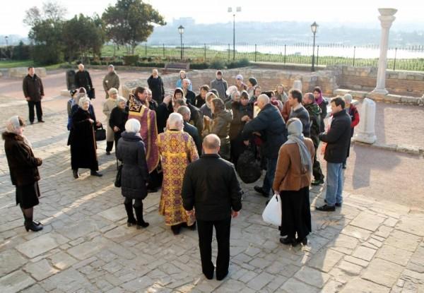 В Крыму прошел автомобильный крестный ход