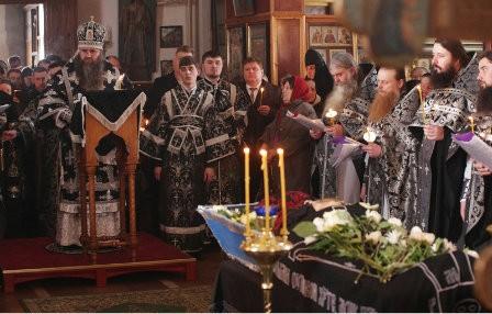 Митрополит Георгий совершил отпевание настоятельницы Свято-Николаевского женского монастыря схиигумении Георгии (Федотовой)