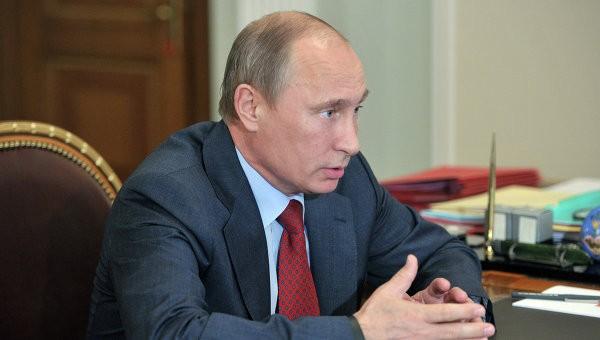 Владимир Путин заявил, что российские войска пока не будут вводится в Крым