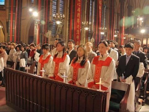 В Китае христиане защищают церковь от сноса