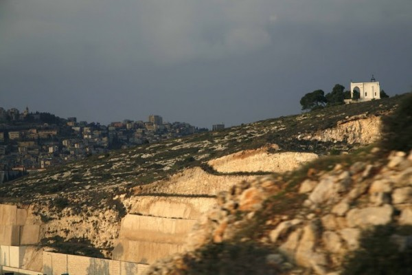 С этого места иудеи хотели сбросить Спасителя