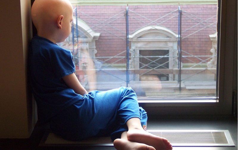 Приоткрыть окно