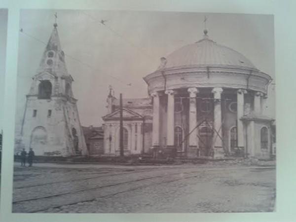 Троицкая церковь Кулич и пасха. 1785-1790. Архитектор Н.А. Львов. Фото 1930-х годов