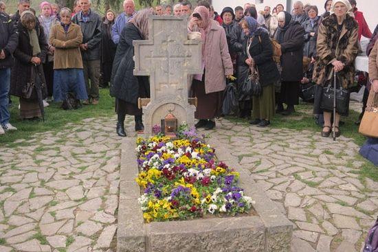 Сербская Церковь обретет мощи святого Иустина в июне