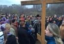 Более 300 человек поддержали строительство храма в Раменках