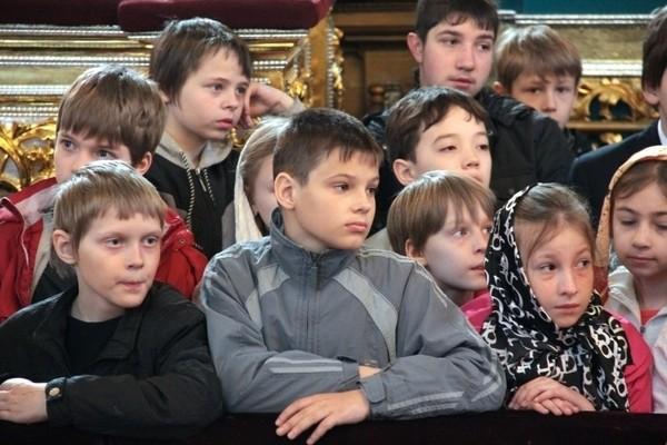 В Смоленске состоялась пасхальная литургия для детей
