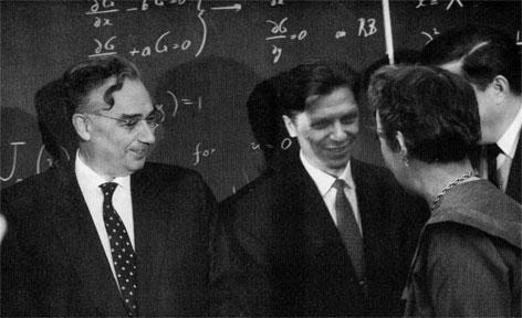 Академики Л.И.Седов (слева) и Г.Г.Черный (справа). 1954 г.